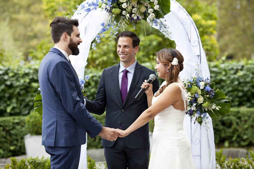 Couples-wedding-mic